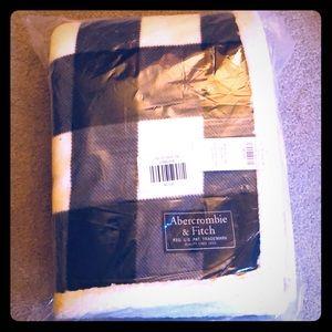 Abercrombie & Fitch Plush Throw Blanket